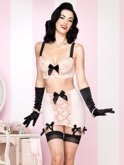 3 PC Retro Set With Girdle Skirt